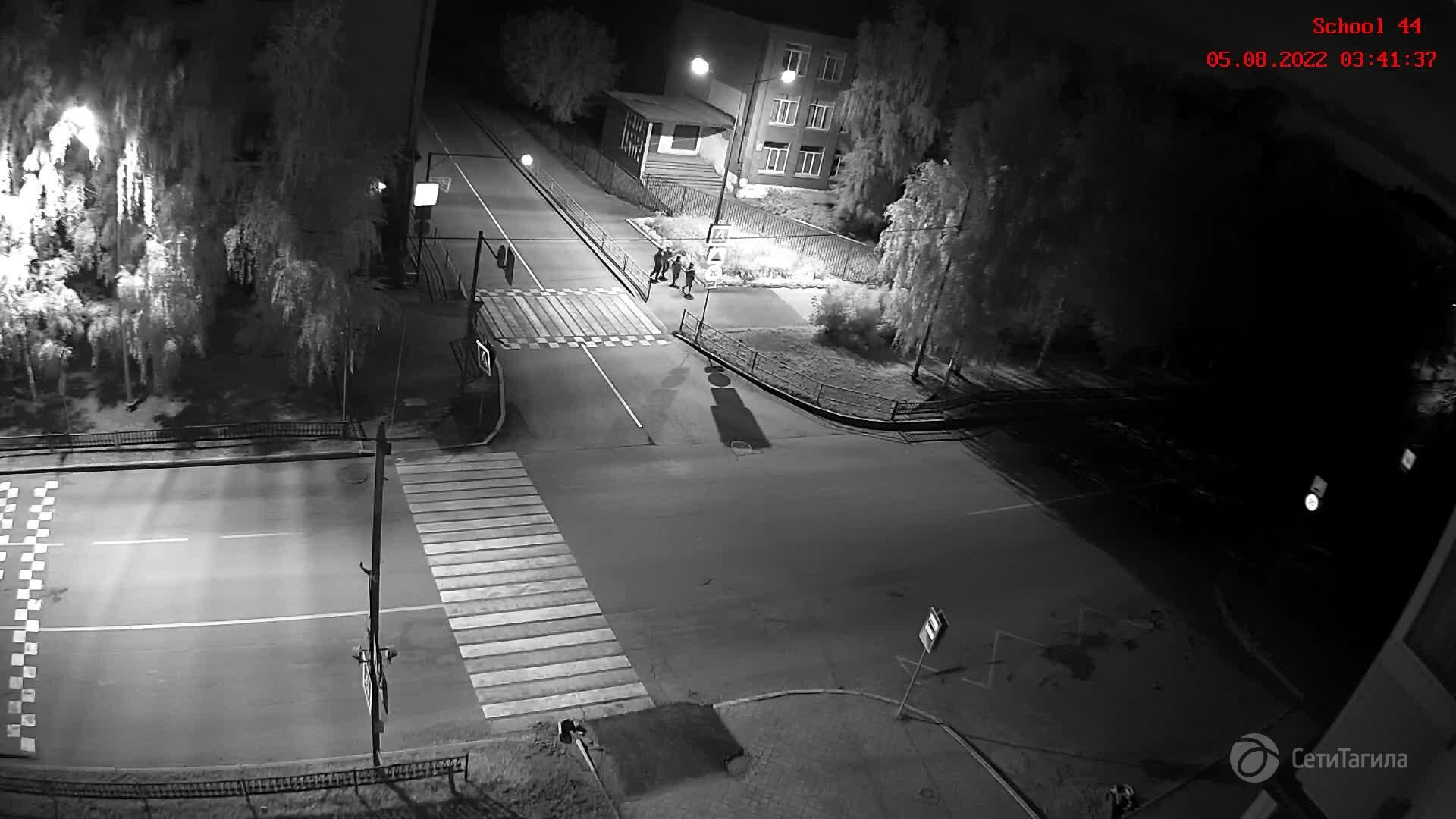 Webcam pedestrian crossing near school N 44 (camera 1), Nizhny Tagil, Sverdlovsk Region, Russia