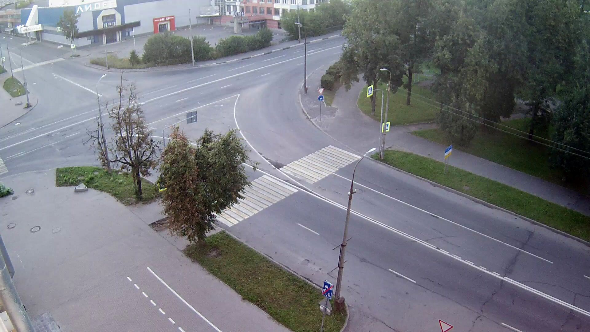 Webcam crossroad Rijskogo and m. Gorkogo, Pskov, Russia